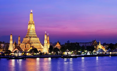 Wat Arun Temple in Bangkok - Thailand