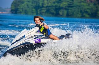 Faire du jet ski, de la planche à voile et du rafting au Québec