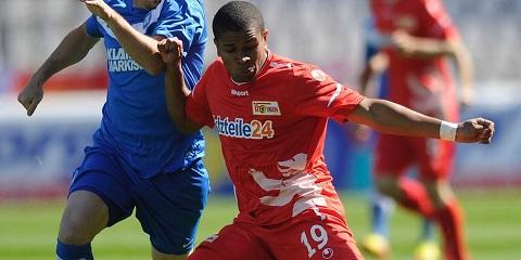 Tiền đạo Chinedu Ede từng đạt nhiều thành tích khi chơi cho Mainz 05