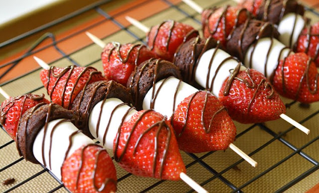 Strawberry Brownie Skewers #dessert #party