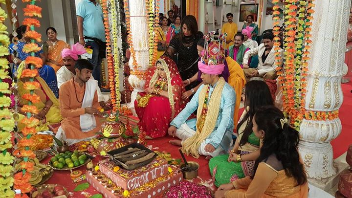 Amrapali Dubey and Dinesh Lal Yadav 'Nirahua' Wedding from On The set of Aashiq Aawara