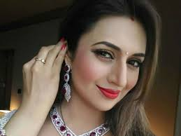 Divyanka Tripathi, Biography, Profile, Age, Biodata, Family, Husband, Son, Daughter, Father, Mother, Children, Marriage Photos.