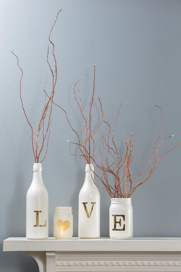 DIY dekoráció üvegből újrahasznosítással.