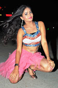 Shreya vyas new sizzling pics-thumbnail-6