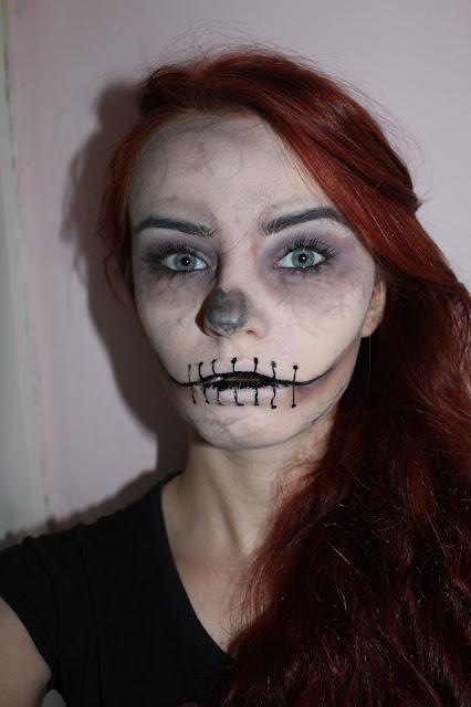 Makijaż na Halloween, czaszka