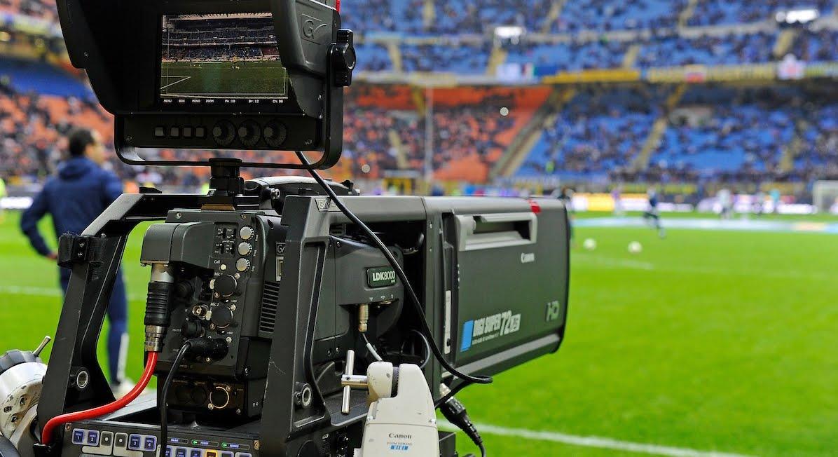 DIRETTA Oggi in TV Cagliari-Atalanta Streaming Rojadirecta Roma-Entella Gratis, dove vedere le partite. Mercoledì Juve-Milan Supercoppa italiana.
