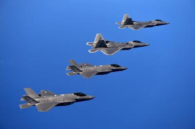 Lockheed Martin: Um híbrido do F-35 e do F-22 para Japão?