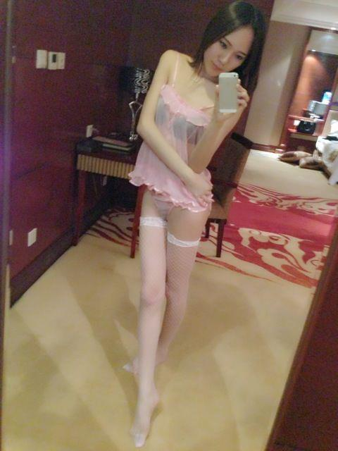 Pictures of Chinese crossdresser 偽娘玥玥兒 from Beijing, China.