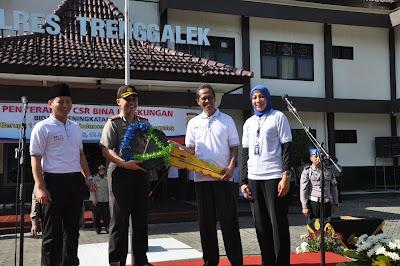 Wabup Arifin Hadiri Penyerahan CSR dari Bank BRI Kepada Polres Trenggalek
