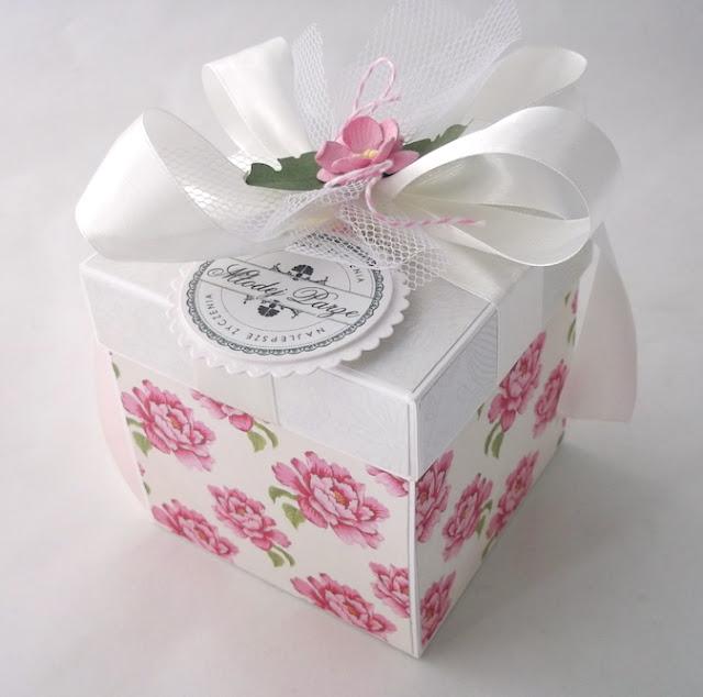 Ślubne pudełko w róże