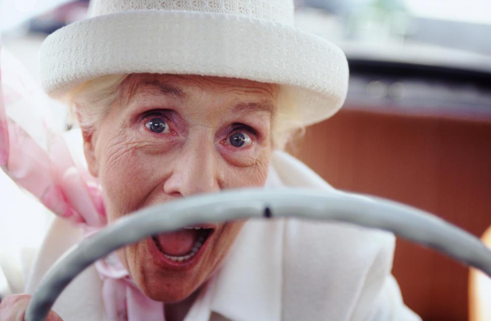 """""""Donna al volante pericolo costante"""", confermato il falso mito"""