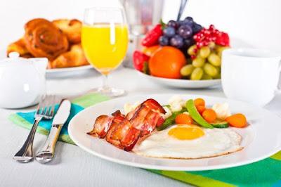 Ông Phan Đức Linh cho biết bữa ăn tối cũng là yếu tố quyết định giảm béo cơ thể