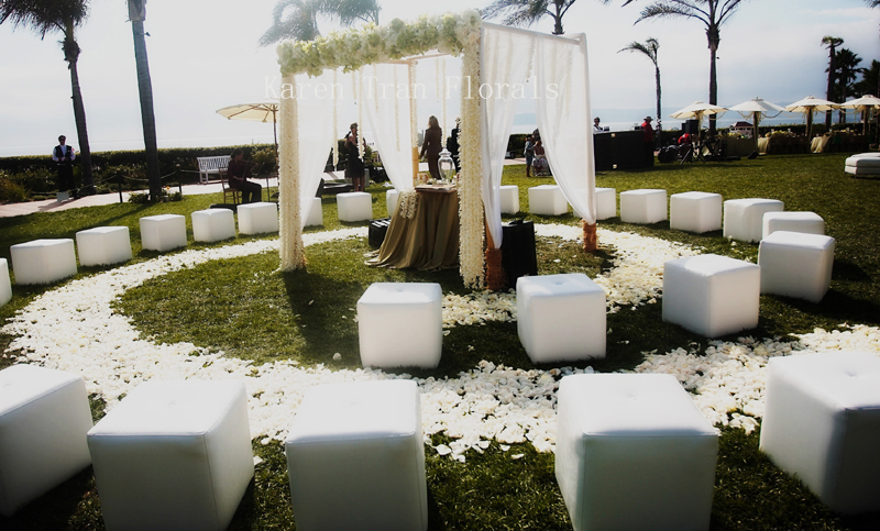 Platinum Touch Events: {Trend Alert} Round Ceremony Seating