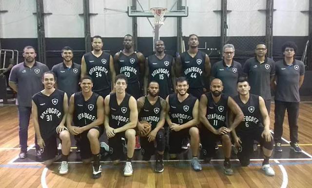 Elenco do Botafogo [Facebook/Reprodução]