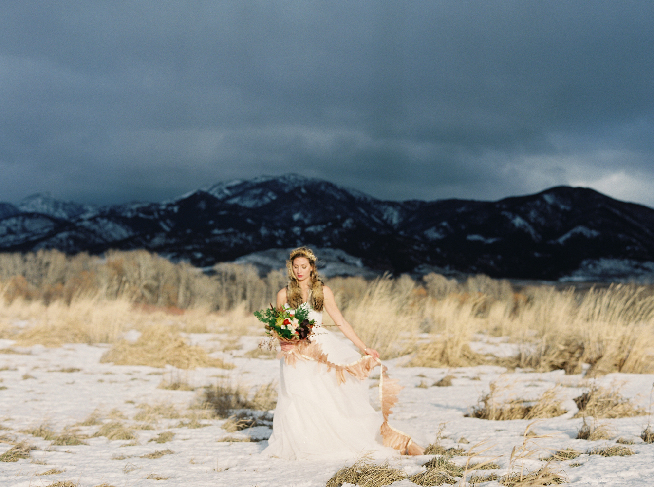 Montana Bride / Orange Photographie / Hair & Makeup: Alexa Mae / Flowers & Styling: Katalin Green / Dress: Poppy Bride