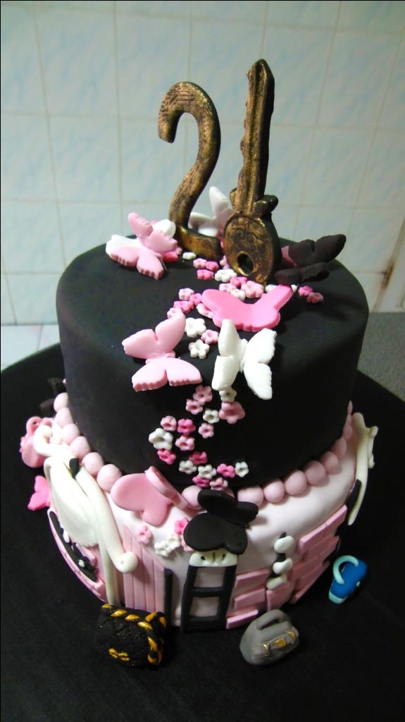 Winnies 21st Birthday Cake