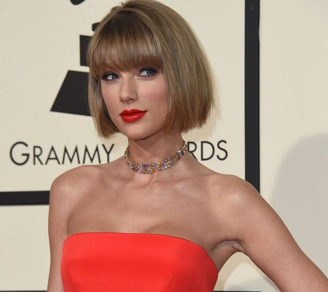 Rambut Pendek Gaya Taylor Swift - Gaya rambut pendek preity zinta