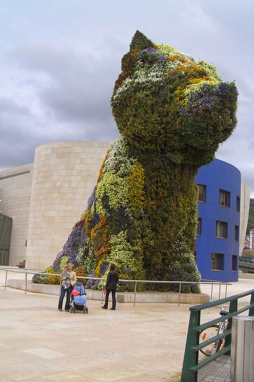 El perro Puppy, mascota del Guggenheim.