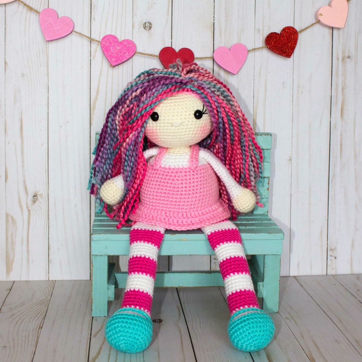 Amigurumi Doll - Basic Body. FREE Patterns Too! - 7 Robots | 1200x1200