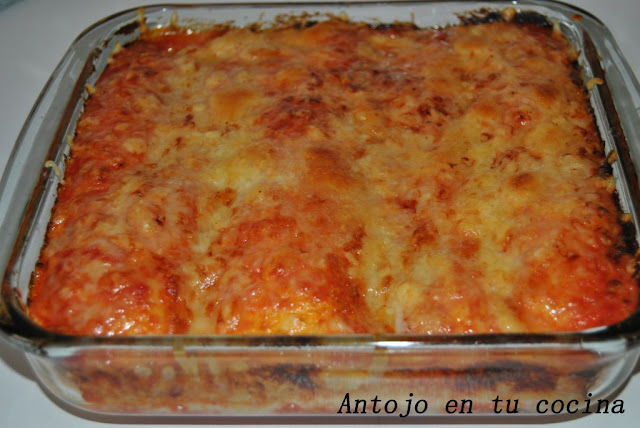 Burritos Gratinados De Pollo, Arroz Y Hummus De Aguacate