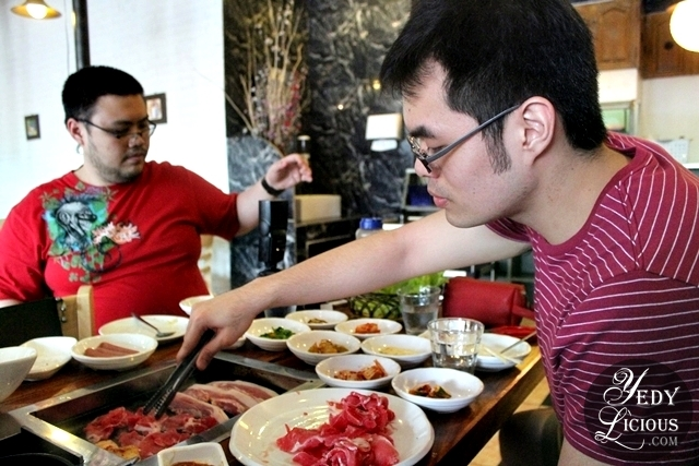 Food Bloggers at Lee Hak Korean Buffet