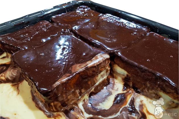 Tarta de la abuela con pan de molde, natillas y chocolate