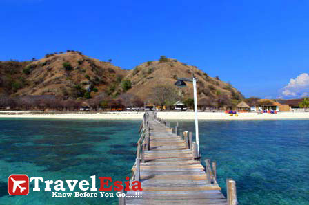 http://www.travelesia.co/2013/03/kanawa-island-exotic-pearls-in-flores.html