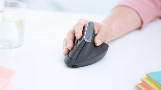 يهدف ماوس Logitech MX العمودي إلى مساعدتك في التغلب على الكآبة ذات الصلة بسلالة المعصم