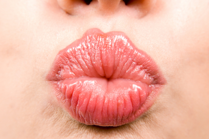 Be Careful When Being Intimate Because Kissing Might Give You This Disease!