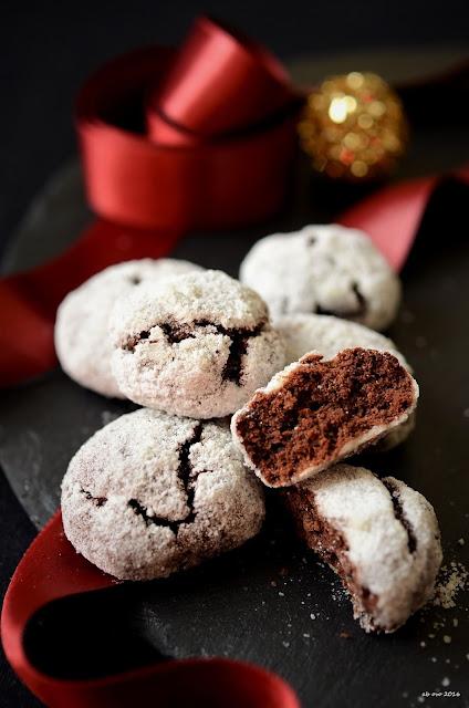 chocolate-crinkle-cookies-ricetta