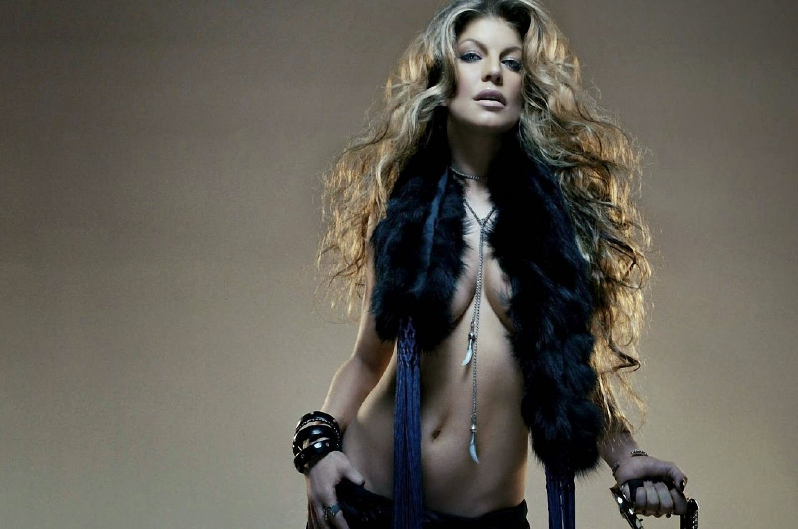 Fergie black eyed peas topless, xxxhot college girls nude pictures