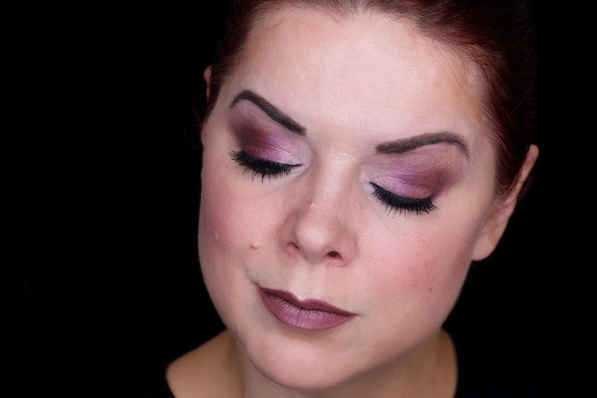Pink/rotes Augenmakeup