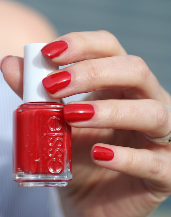 Classics : Essie Really Red | Essie Envy