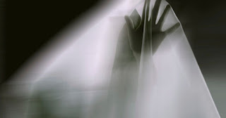 Ghost Hantu Anak Kecil yang Tinggal di Dinding Kamar