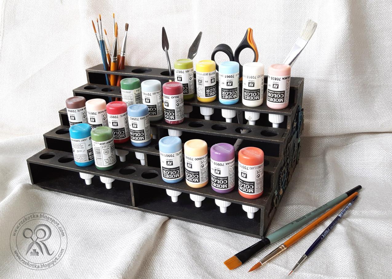 Stojak ze sklejki do przechowywania farb