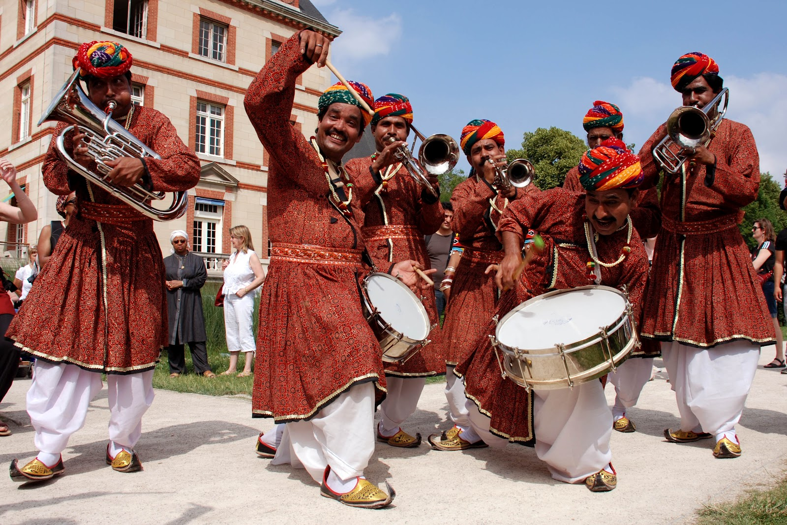 Baraat Consists Of A Group 12 Or More Musicians Called The Br Band Who Play Number Instruments And Provide Typical Music