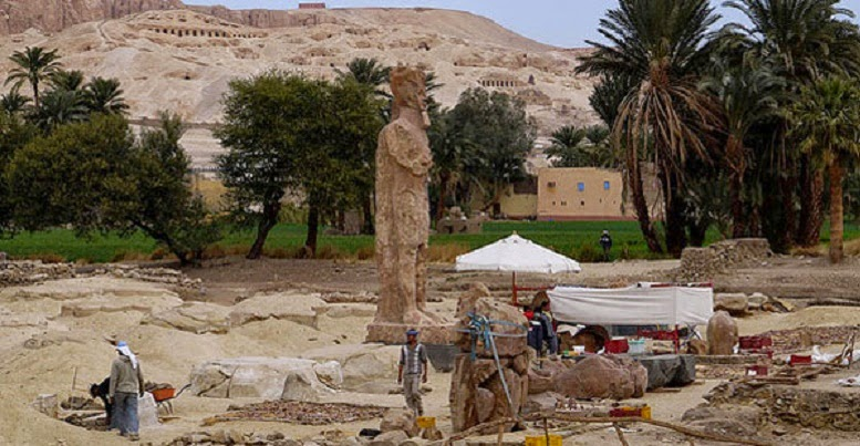 Restoration of Amenhotep III statues under way