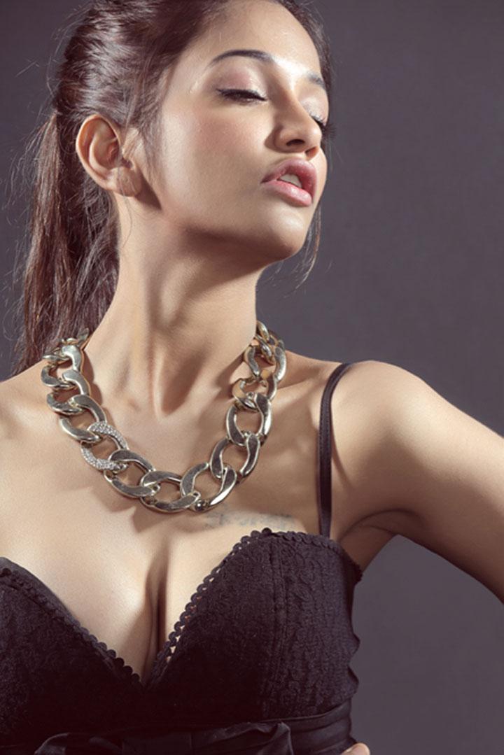 Glorious diva Anaika Soti latest hot images collection