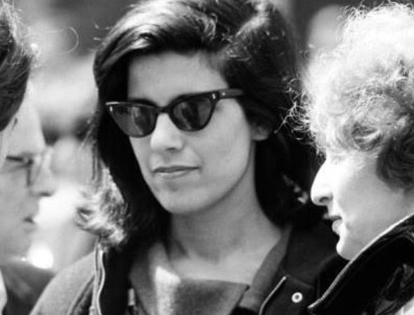 susan sontag 1966 essay not Reborn (2008), the first volume of susan sontag's journals and notebooks, took her from precocious teenager to the brink of massive success her publication of the essay notes on camp in 1964 and documented her intellectual and sexual awakenings there, we meet.