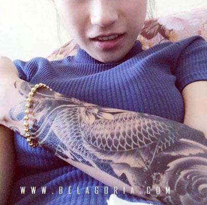 Tatuajes de carpas japonesas en el brazo belagoria la for Carpa koi negra