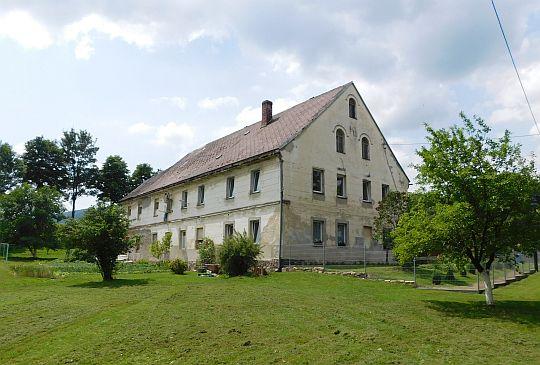 Dom we wsi Ponikwa.