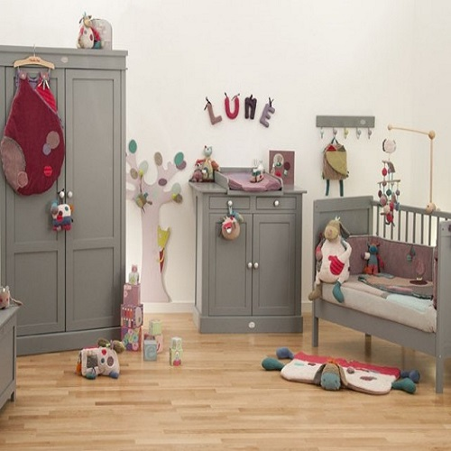 Décoration de chambre de bébé fille