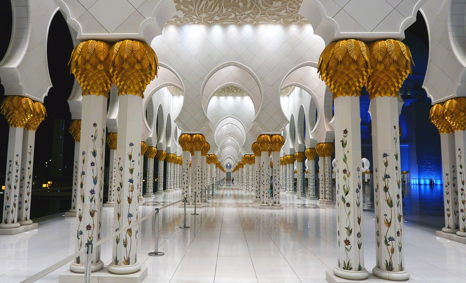 Euriental | luxury travel & style | Abu Dhabi Sheikh Zayed Mosque