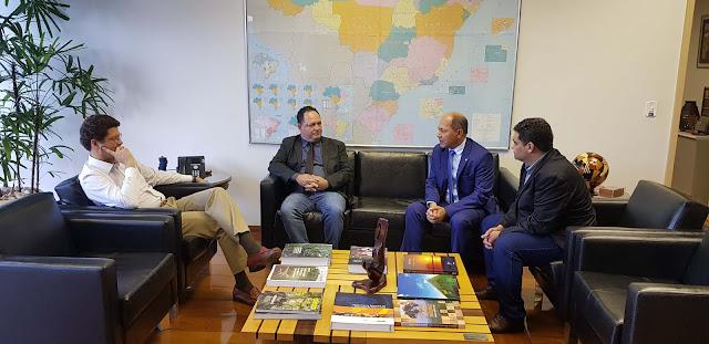Coronel Chrisóstomo media reunião de prefeitos com Ministro do Meio Ambiente