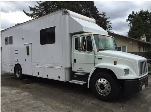 Used Rvs 2000 Freightliner Fl70 Toterhome For Sale By Owner