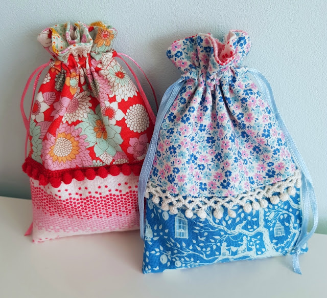 Cute little drawstring bags made with Tilda Lemontree fabric