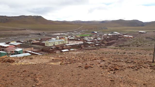 Blick auf mein Andendorf San Pablo de Lipez Bolivien, in der Regenzeit.