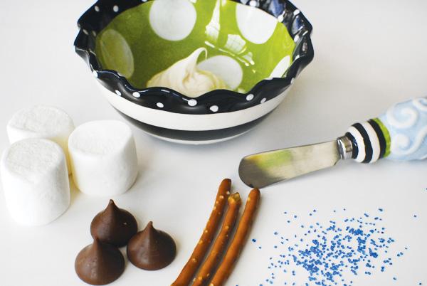 """сладости, сладости в глазури, сладости с зефиром, печенье, глазурь, маршмеллоу, зефир, блюда с маршмеллоу, конфеты, оформление блюд, блюда с конфетами, хлебная соломка, блюда """"Свечм"""", рецепты,   http://eda.parafraz.space/"""