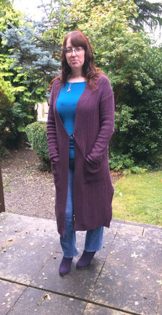 Autumn Style with Ethical Clothing | Morgan's Milieu: a plum cardigan from Nomads Clothing. This cardi would be great for any autumn outfit.