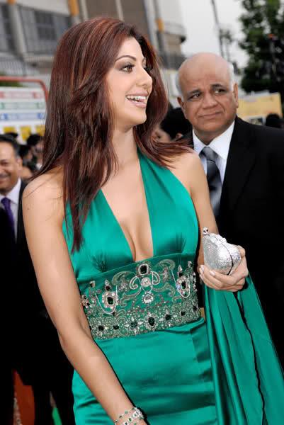 Actress Shilpa Shetty cleavage